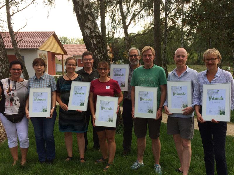 Waldbaden mit Profis: Erste Ausbildung zum Natur- und Waldtherapie Guide erfolgreich abgeschlossen